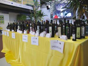 Sono 186 gli oli che hanno partecipato alla 12a rassegna nazionale, appartenenti a 62 diverse varietà e provenienti da 15 regioni.