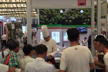 A Shanghai per promuovere l'extravergine italiano